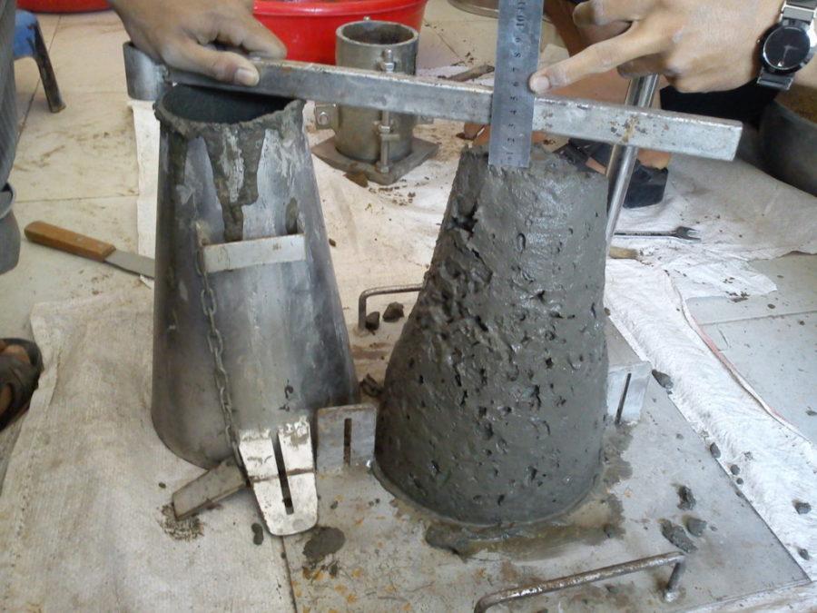 Độ sụt bê tông được tính thông qua thí nghiệm phễu bê tông
